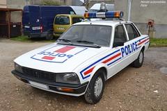 Peugeot 505 Police (Monde-Auto Passion Photos) Tags: voiture vehicule auto automobile peugeot 505 police blanc white rassemblement france courtenay