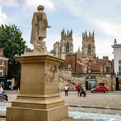 York Minster from Exhibition Square, June 2019 - 3 (nican45) Tags: artgallery minster water mirrorless fujifilm sculpture xt2 june yorkshire exhibitionsquare 1024 fountain statue wideangle 2019 york 09062019 1024mm 9june2019 csc fuji fujinon xf1024mmf4rois england unitedkingdom