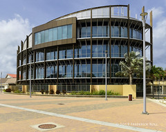 Aruba Government Building, Oranjestad (© Freddie) Tags: aruba oranjestad governmentbuilding glass fjroll ©freddie