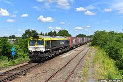 Railtraxx/Captrain 6601 @ Y.Bosdel (Maarten Schoubben) Tags: nmbs sncb infrabel lijn ligne 21c cargo container class 66 emd gm locomotive
