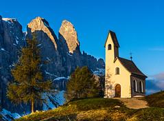 Cappella di San Maurizio am Grödner Pass (jürgenmilnik) Tags: italien italia dolomiten dolomiti kirchen grödner joch nikon d7200