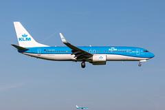 PH-BXF KLM Royal Dutch Airlines Boeing 737-8K2 (buchroeder.paul) Tags: eham ams amsterdam schiphol the netherlands europe final phbxf klm royal dutch airlines boeing 7378k2