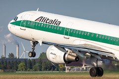 I-BIXQ Alitalia Airbus A321-112 (buchroeder.paul) Tags: eham ams amsterdam schiphol the netherlands europe departure ibixq alitalia airbus a321112