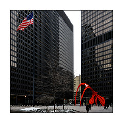Federal Plaza Chicago (Jean-Louis DUMAS) Tags: architecture architect architecte architectural architecturale bâtiment building reflets reflecting reflections immeuble buildiing colors chicago sony hiver winter neige noël christmas sculpture city sculpteur red rouge square carré