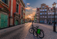 Sunset in Gdansk (Vagelis Pikoulas) Tags: gdansk poland europe travel sun sunset landscape city cityscape urban bike bicycle tokina 1628mm canon 6d april 2019 spring
