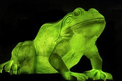 Leap Frog IMG_0240 (3Bs7Gs) Tags: perotmuseum dallas dallastx whimsical green whimsicalfrogs whimsicalleapfrogs illuminatedfrogs parksculptures glowinthedark greenfrogs greenwhimsicalfrogs