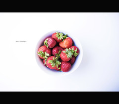 24/52 - Red and Juciy (Mark Somerville.) Tags: mark somerville burlington 52 week project strawberries canon 6d 35 14l dof red bright smoothie