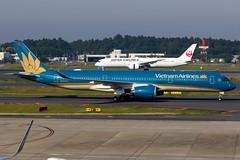 Vietnam Airlines   Airbus A350-900   VN-A894   Tokyo Narita (Dennis HKG) Tags: aircraft airplane airport plane planespotting skyteam canon 7d 70200 tokyo narita rjaa nrt vietnam vietnamairlines hvn vn airbus a350 a350900 airbusa350 airbusa350900 a359 vna894