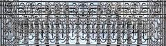 Barcelona - Plaça Catalunya 005 c (Arnim Schulz) Tags: modernisme modernismo barcelona artnouveau stilefloreale jugendstil cataluña catalunya catalonia katalonien arquitectura architecture architektur spanien spain espagne españa espanya belleepoque fer castiron ferdefonte hierro ferro iron eisen gusseisen schmiedeeisen forjado forgé wrought forged art arte kunst baukunst ferronnerie gaudí fence liberty textur texture muster textura decoración dekoration deko deco ornament ornamento