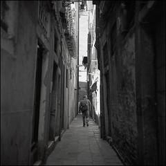 Venice (Koprek) Tags: rolleiflex28f film analog ilfordhp5 120 6x6 italy venice streetphotography stphotographia stphotography street