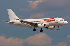 Easy Jet A319-111 G-EZEN (José M. Deza) Tags: 20190621 a319111 airbus bcn easyjet elprat gezen lebl planespotting spotter aircraft
