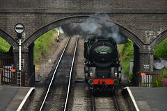 Train coming into Toddington railway station (schwerdf) Tags: britishisles britishislestrip england gloucestershireandwarwickshirerailway greatbritain toddington trains