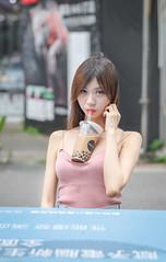 IMG_8802L (攝影玩家-明晏) Tags: 戶外 人 人像 taiwan taipei girl woman p portrait 珍珠奶茶