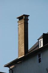 Hautes-Pyrénées (visol) Tags: xemeneies xememeie xemeneie xemeneia tximinia chimneys cheminées chimeneas camino chamine catalunya chimney camini tejados teulades tejas tejado teulas teulat kaminköpfe barbacana roofs rooftops r france francia