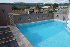 P1010146 (Бесплатный фотобанк) Tags: грузия тбилиси лето отель гостиница бассейн