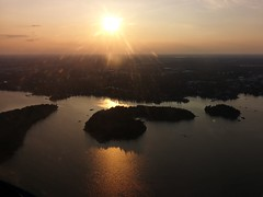 Flight over Helsinki | Islands (Toni Kaarttinen) Tags: flight flying helsinki aviation eurostar airplane finlàndia finnland finnlando finlandia finlande finnország フィンランド finlândia finlanda финляндия suomi helsingfors sunset archipelago aerial aerialphotography