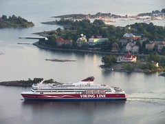 Flight over Helsinki | Viking Line (Toni Kaarttinen) Tags: flight flying helsinki aviation eurostar airplane finlàndia finnland finnlando finlandia finlande finnország フィンランド finlândia finlanda финляндия suomi helsingfors ship archipelago vikingline island islands aerial aerialphotography