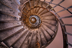Spiral Up the Monument (lfeng1014) Tags: spiralupthemonument themonument monumenttothegreatfireoflondon london england uk spiral spiralstaircase stairs structure architecture canon5dmarkiii ef1635mmf28liiusm travel lifeng