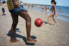 Pass (dtanist) Tags: nyc newyork newyorkcity new york city sony a7 7artisans 35mm brooklyn coney island beach shore sand soccer ball football foot kick beachgoers