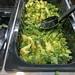 Brokkoli als Rohkost-Snack an der Salatbar im Rewe