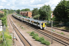 20190620 014 Oakleigh Park. 387102 Leads Delayed 37 Minutes Late 1T15 08.12  Kings Lynn - King's Cross (15038) Tags: oakleighpark 387102