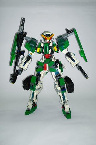 LEGO Gundam Dynames GN-002