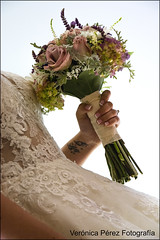(Veronica Perez Fotografia) Tags: boda wedding diaespecial alba bruno comillas novios nikond7100 reportajefotografico fotografiaveronicaperez edicion siquiero cantabria novia detalles flores ramo momentosprevios