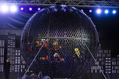 DAO_3727r (crobart) Tags: globe death motorcycles ultimate thrills circus canadas wonderland cedar fair amusement theme park