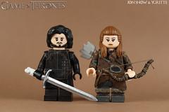 Custom LEGO: Jon Snow & Ygritte (Game of Thrones) (Will HR) Tags: custom lego game thrones jon snow ygritte free folk nights watch