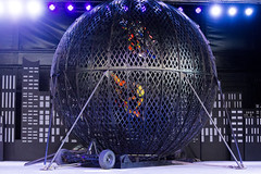DAO_3602r (crobart) Tags: globe death motorcycles ultimate thrills circus canadas wonderland cedar fair amusement theme park