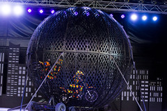 DAO_3615r (crobart) Tags: globe death motorcycles ultimate thrills circus canadas wonderland cedar fair amusement theme park