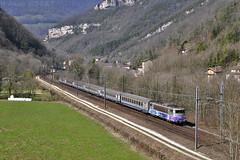 TER Lyon - Annecy dans la vallée de l'Albarine (Alexoum) Tags: sncf bb25200 ter lyon annecy bugey ain alpes corail train