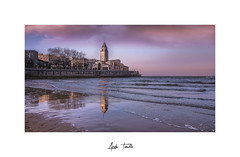 _ATP5148 (anahí tomillo) Tags: nikond7500 sigma1750f28 atardecer sunset ciudades city cielo sky mar beach asturias gijón