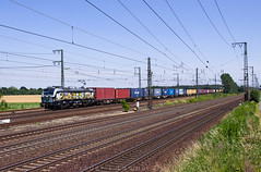 "[DE] Wunstorf, 25.06.2019 - 193 875 ""Connecting Europe/boxXpress"" mit Containerzug (Frederik L.) Tags: db bahn zug eisenbahn lok lokomotive siemens vectron bahnhof wunstorf boxxpress güterzug privatbahn hannover"