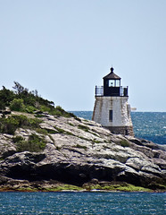 photo - Castle Hill Light, Newport, Rhode Island (Jassy-50) Tags: photo castlehilllight castlehilllighthouse castlehill lighthouse newport rhodeisland rock narragansettbay