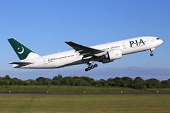 AP-BGJ_MAN_210619_KN_192 (JakTrax@MAN) Tags: pia pakistan international airlines manchester ringway airport runway 23l egcc man boeing 777 b777 b777200 772 777200 apbgj