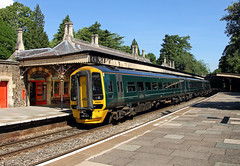 158951 Great Malvern (CD Sansome) Tags: station train trains great malvern 158 158951 sprinter gwr first western railway
