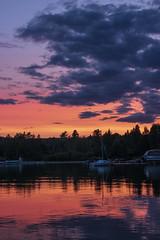 Coucher de soleil, Lac-Mégantic (Ludovic Théberge) Tags: sunset lacmégantic coucher de soleil bâteau québec canada lac eau lake