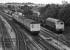 GWR green 47484 is recessed at West Ruislip up loop with an up engineer's tran. Meanwhile,  a pair of 2-car heritage dmus pass on the fast line with a train to London Marylebone on 2 July1988. (mikul44171) Tags: 47484 gwrgreen west ruislip dmu classic ikbrunel july1988 heritage lowerquadrant