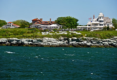 photo - Castle Hill, Newport, Rhode Island (Jassy-50) Tags: photo rhodeisland newport castlehill narragansettbay building rock architecture hotel inn lawn shoreline resort castlehillinn oceancliff oceancliffhotel