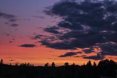 Coucher de soleil, Lac-Mégantic (Ludovic Théberge) Tags: sunset lacmégantic soleil eau lac nature orange mauve lake québec canada