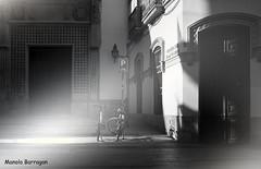 Sombra y Luz... (Manolo Barragan Orozco) Tags: barefoot dir evening family time quality nature spiritual sunset cool nights july castle rock colorado summer children wagon radio flyer red rocks pebbles dirty clouds golden skies cordoba sevilla asturias granada galicia cantabria sony olympus retrato sol caceres madrid spain huelva lurdes yuste manolo sun flower macro mezquita catedral linda rio mar playa barcelona