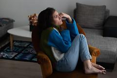 Lison. (Nicolas Fourny photographie) Tags: canon 80d 50mm model beauty naturallight nakedfeet dof depthoffield brunette portrait portraiture womanportrait girlportrait jeans