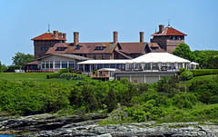 photo - OceanCliff Hotel, Newport, Rhode Island (Jassy-50) Tags: photo rhodeisland newport oceancliffhotel hotel shamrockcliff mansion tower narragansettbay