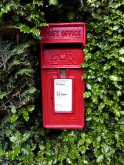 Postbox CH64 350 (The3Winds) Tags: postbox er ch64 cheshire wirral