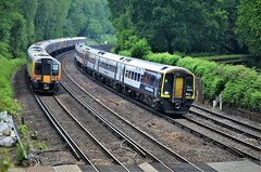 Passing trains..... (stavioni) Tags: class450 siemens desiro class159 brel express spinter emu dmu electric diesel multiple unit rail swr swt south western railway west trains