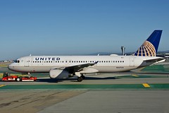 United Airlines 2000 Airbus 320 N467UA c/n 1359 at San Francisco Airport 2019. (17crossfeed) Tags: unitedairlines unitedexpress n467ua 1359 sfo sanfranciscoairport sfoov airport aviation aircraft airplane pilot planes planespotting landing claytoneddy 17crossfeed deltaairlines americanairlines boeing airbus southwestairlines tower taxi takeoff 320 380 319