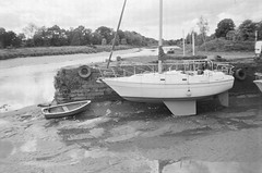 Tied Up (bigalid) Tags: film 35mm minolta f25 ilford xp2 bw may 2019 dumfries c41 plastic fixedfocus kingholm boat river nith