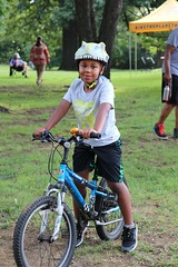 IMG_5789 (MLGWVisualSources) Tags: service community mlgw cyclists volunteers bike midsouthtransplant kid smiling trot