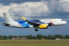 EC-MYC | A320 | VUELING | EHAM (Ashley Stevens images) Tags: amsterdam schiphol airport eham ams canon eos aircraft aeroplane aviation civil airplane ecmyc